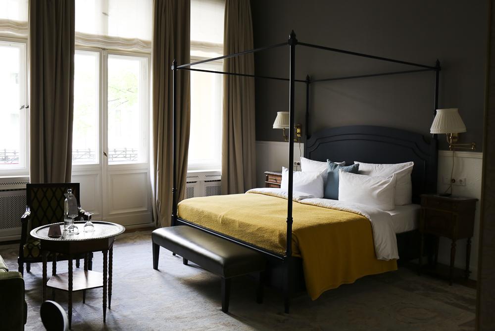 Henri Hotel, Nicola Bramigk