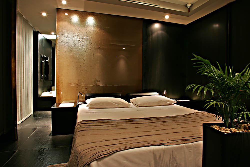 straf hotel smart travelling. Black Bedroom Furniture Sets. Home Design Ideas